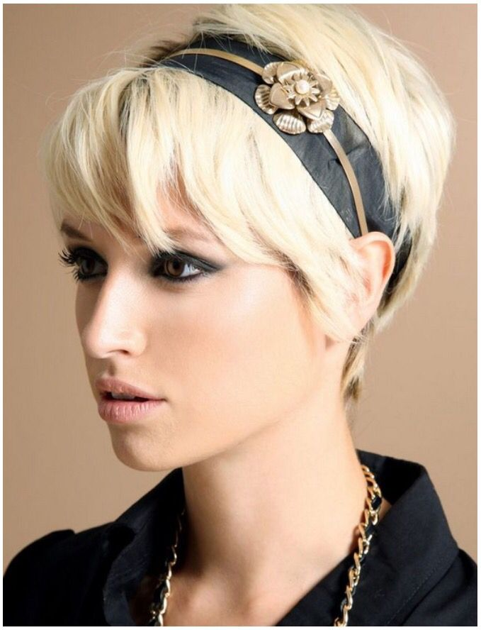 Short hair accessory