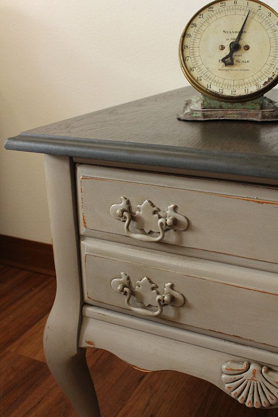Coco side table end table annie sloan chalk paint for Peinture shabby chic