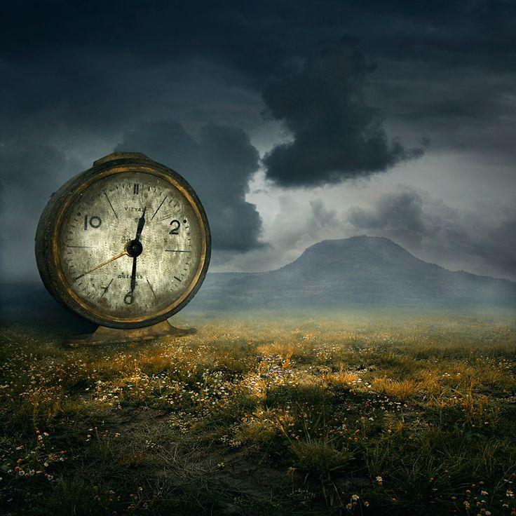 The Time... by Heaven Man, via 500px superbe horloge mais il ma l'air d'être rouiller Warter de http://www.plombier-paris-artisan.fr/