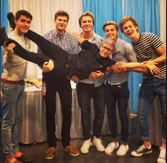 troye sivan and tyler oakley | Alfie Deyes, Marcus Butler, Tyler Oakley , Troye Sivan, Jack and Finn ...