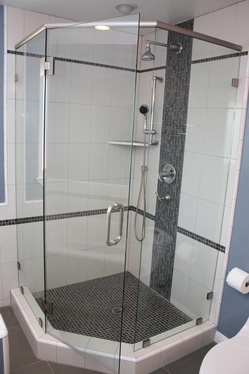Framelss Neo-Angle Shower Door Installed with Square Satin ...