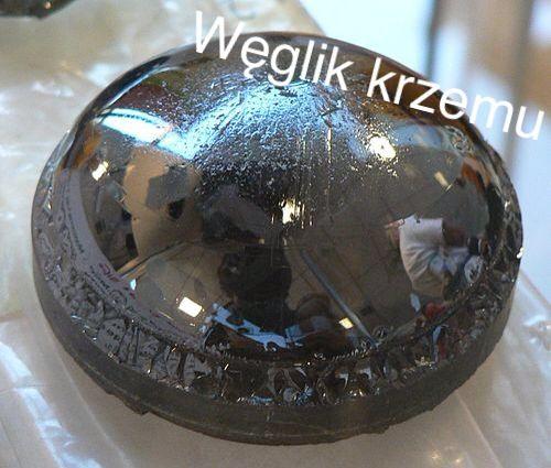 (rzadko) stosowany w technice bardzo wysokich częstotliwości, dużych mocy i w wysokich temperaturach.
