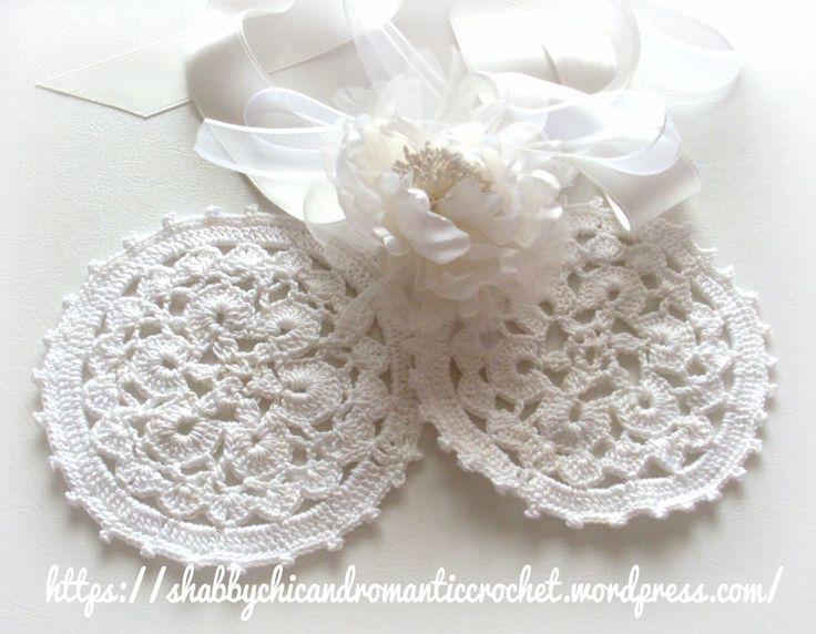https://shabbychicandromanticcrochet.wordpress.com/2015/04/27/wedding-crochet-romantic-crochet-white-doilies-uncinetto-per-matrimonio-romantici-centrini-alluncinetto-bianchi/