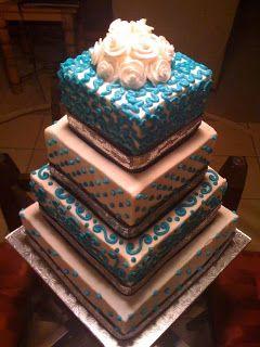 Pastel Torre #Cakes #Pasteles y #Cupcakes para #Bodas y #15Años #Fondant | DaVinci http://bit.ly/1v3zvMi