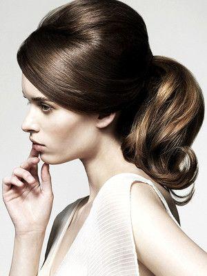 Retro and romantic 60s ponytail