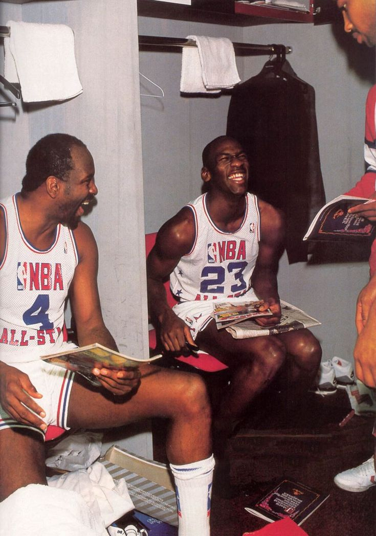 "Sneaker Watch: Michael Jordan Wearing The ""Cement"" Air Jordan III   Sole Collector"