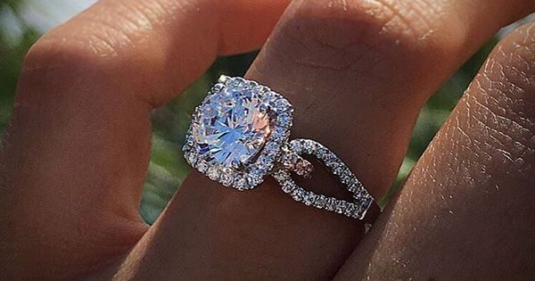 Diamonds By Raymond Lee Engagement Rings – Top #RingSelfies for June | Wedding ring, Engagement and Engagement rings