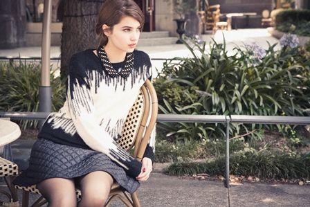 Knit ¥11,550 Skirt ¥10,500