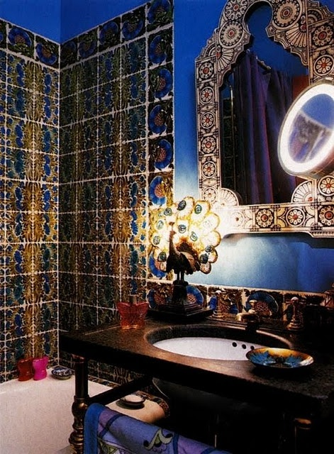 It's Anna Sui's bathroom!
