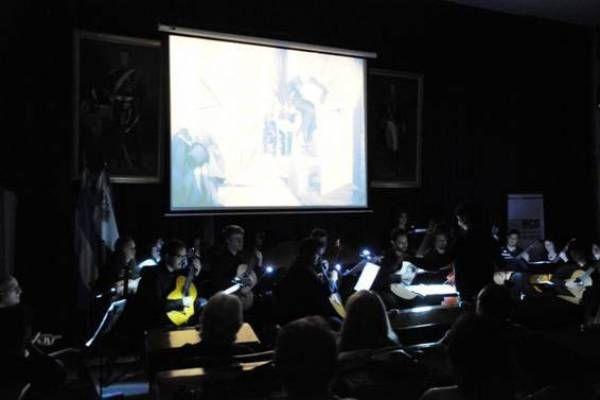 Con música en vivo se proyectó en San Isidro el clásico film el gabinete del Dr. Caligari