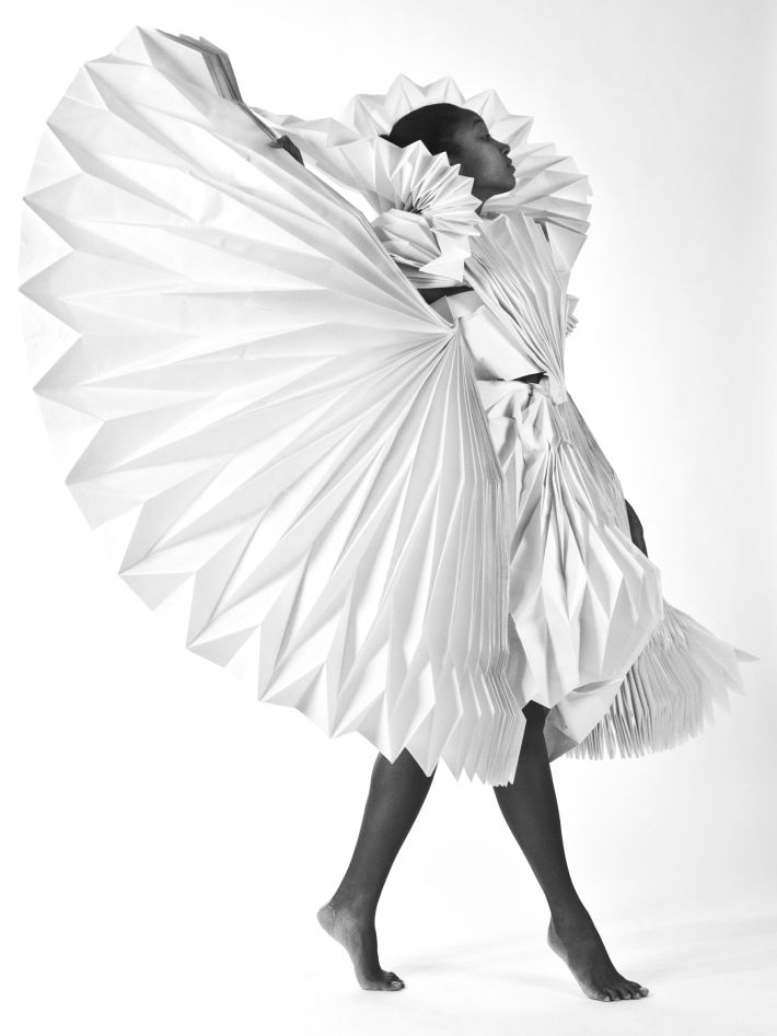Origami Fashion - folded fabric dress with amazing 3D pattern and structure; architectural fashion design; wearable art // Tara Keens-Douglas