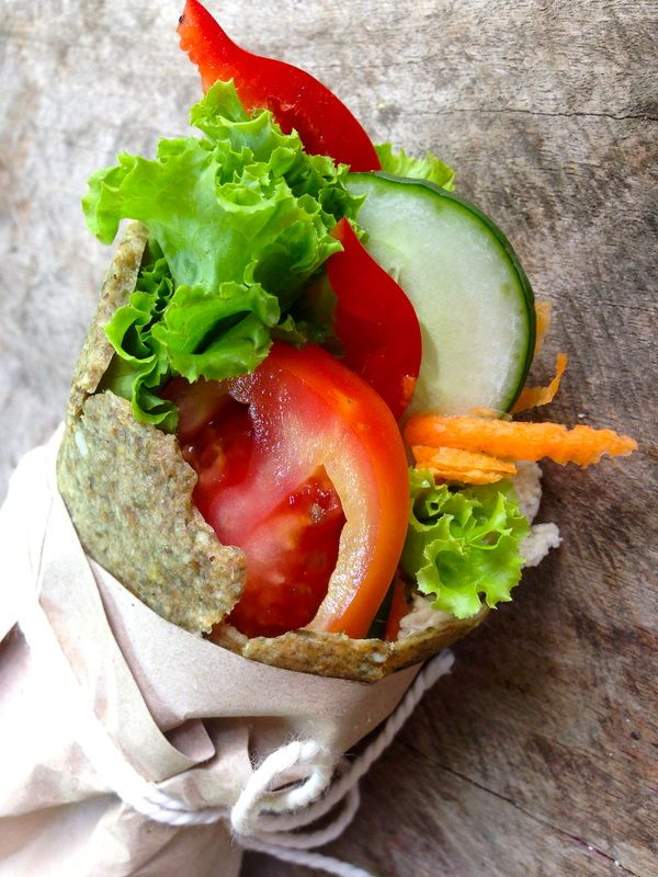 Raw vegan seed flatbread wrap #nut-free #sugar-free #TheHassleFreeLunchBox #RawAndPeace