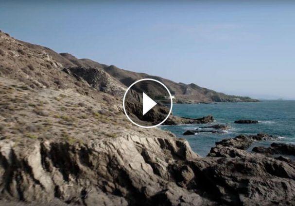 Espectacular inicio el del nuevo anuncio del Audi Q5 Space Concept rodado también en Almería, dónde el entorno también es protagonista…   #almeriatrending
