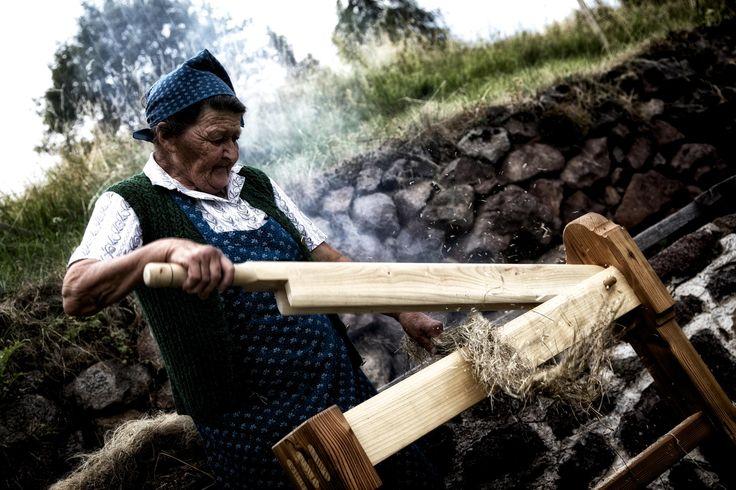 Val di Fiemme Anterivo BZ - Lavorazione del lino #TuscanyAgriturismoGiratola