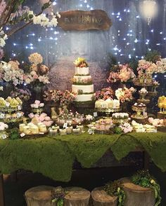 Que lindo Bosque. Decor @vivafestadecor stand @artlille personalizados…Fairy lights, garden theme