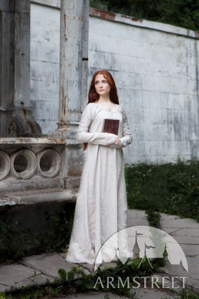 Would want this style of underdress for both the Medieval dress and the viking outfit