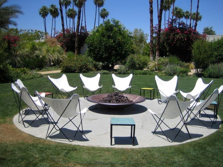 Modern Backyard Design  - how to fit 10 people around a fit pit