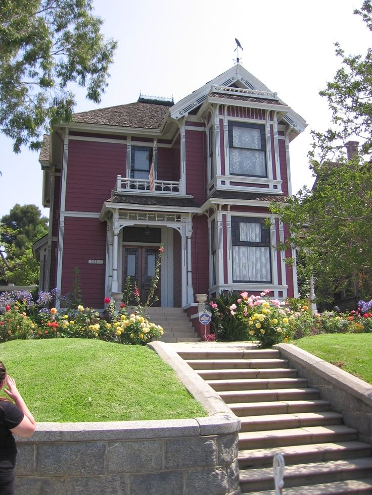 612 best images about victorian era on pinterest for Victorian manor house