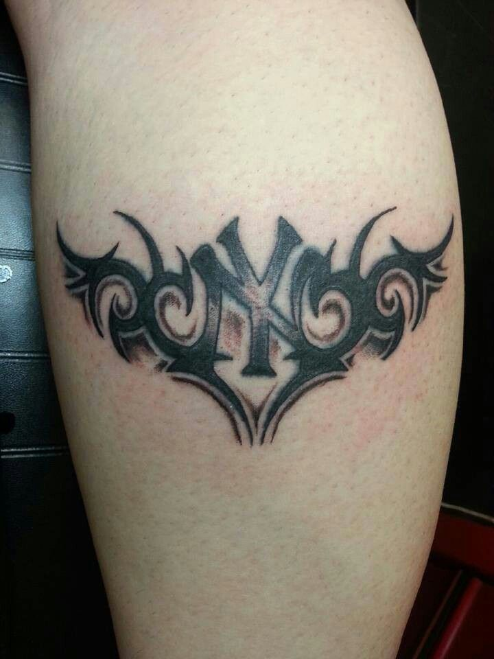29 best yankee tatoos images on pinterest tatoos animal tattoos and baseball stuff. Black Bedroom Furniture Sets. Home Design Ideas