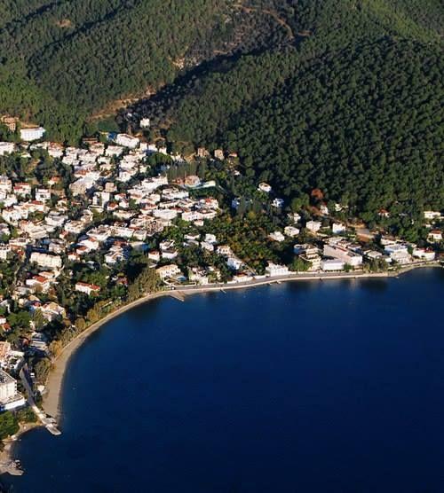 The seaside village of Askeli in Poros
