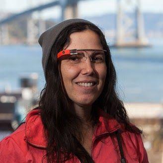 Kok Ditilang Menyetir Pakai Google Glass? - http://mabokgadget.com/kok-ditilang-menyetir-pakai-google-glass/