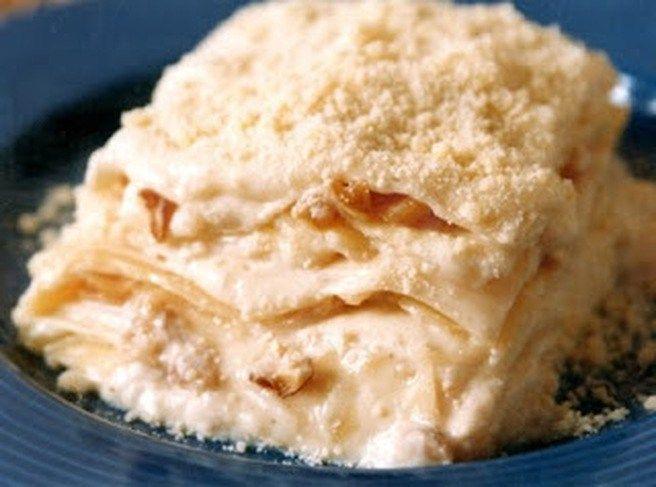 ingredientes:Molho  500 ml de leite 2 colher(es) (sopa) de farinha de trigo 2 colher(es) (sopa) de margarina Qualy Sadia 1 tablete(s) de caldo de frango 200 gr de nozes