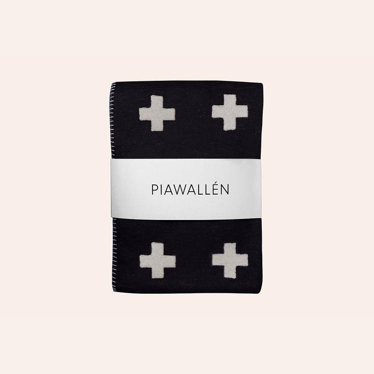 Cross Blanket 75x125 cm, Schwarz - Pia Wallén - Pia Wallén - RoyalDesign.de
