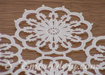 SKU 10320 Free standing lace table runner