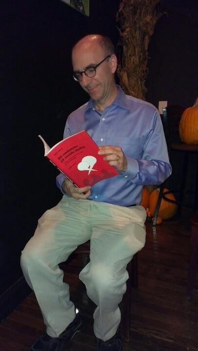 "Byttede bøger i Washington DC med forfatteren Joseph J Romm, der har skrevet ""Language Intelligence - Lessons on persuasion from Jesus, Shakespeare, Lincoln and Lady Gaga"". Joe Romm er en af USA mest indflydelsesrige kommunikatører om klimaforandringer og politik. Han er seniorfellow ved Center for American Progress og fofatter til syv bøger."