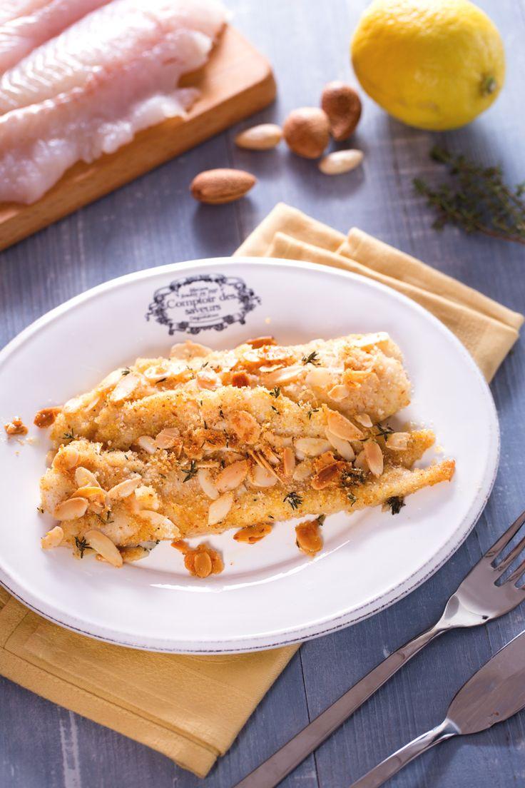 Filetti di merluzzo al forno: gustosi filetti di pesce azzurro avvolti in una croccante panatura alle mandorle aromatizzata al limone. [Oven baked cod]