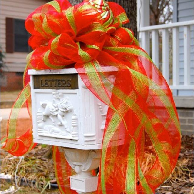 <3: Worth Reading, Crafts Ideas, Book Worth, Holidays Ideas, Yard Decor, Mesh Ideas, Deco Mesh, Holidays Yard