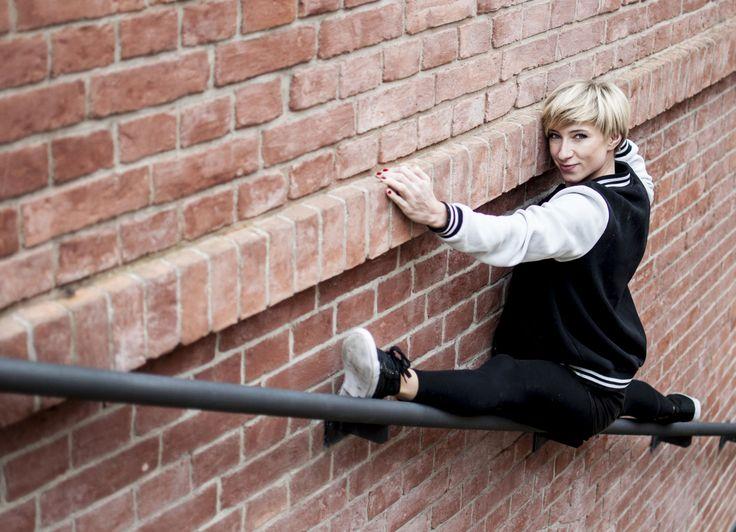 #AsiaZiemczyk #poledancer #dancer #flexibility #ohlala #ohlalastudio   Photo by Katarzyna Milewska.
