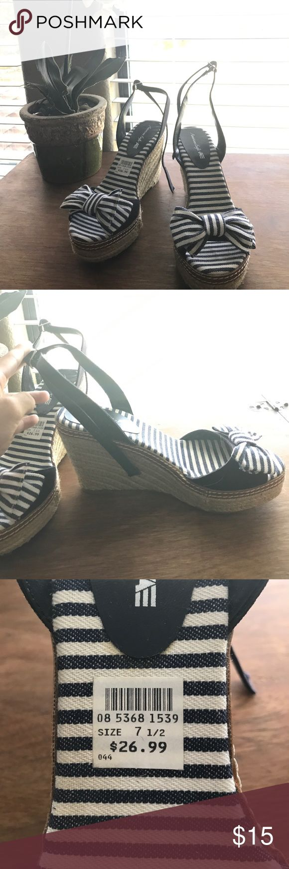 🆕American Eagle striped sailor heels Never worn, I got them as a gift but they weren't my size. Straps in the back to wrap around your ankle. American Eagle Outfitters Shoes Heels
