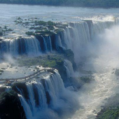 Sólo estando en Las Cataratas del Iguazú sabrás por qué son una de las Maravillas del Mundo.