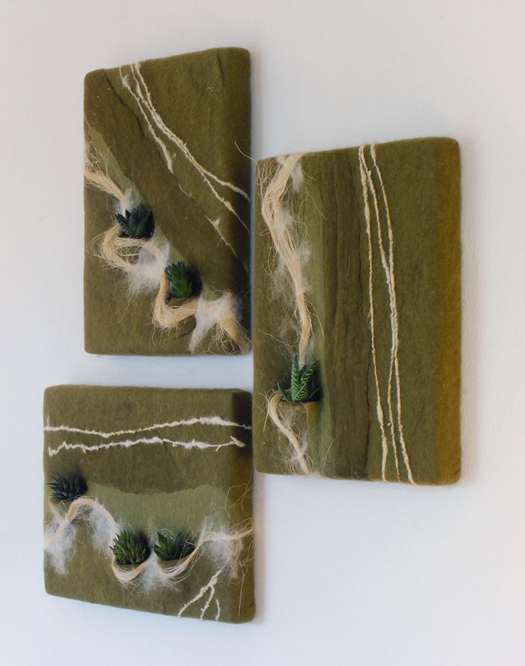 Vertical Garden in felt made with carded wool Maori, agave fibers and  handspun yarn. Design Judith Byberg