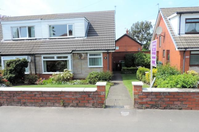 2 Bed Semi-detached Bungalow For Sale, Broadway, Chadderton, Oldham OL9, with price £135,950. #Semi-detached #Bungalow #Sale #Broadway #Chadderton #Oldham
