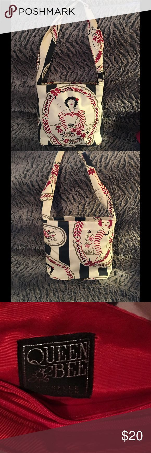 Fun Boho like Canvas material bag by Queen Bee I used this fun bag last summer.  It is light and very comfortable on the shoulder.  Got lots of compliments Queen Bee Bags Shoulder Bags