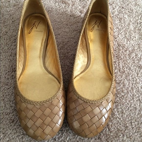 jv j vincent tan woven leather flats j vincent 'darby215 piramid' flats 7.5 brand new, never worn. Unfortunately, too big for me. J vincent Shoes Flats & Loafers