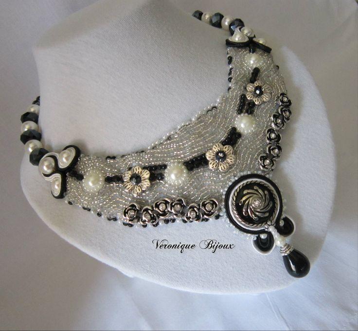 "Necklace"" Black & white"""