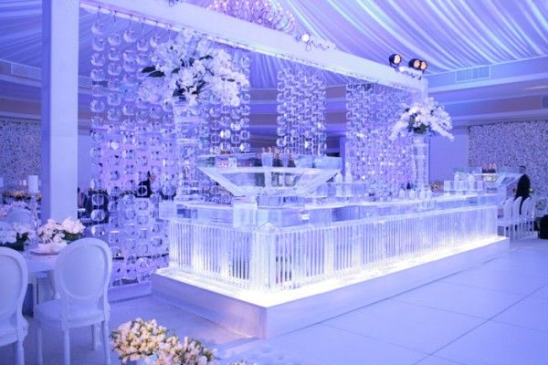 Cool Off with Creative Forms of Ice at Your Summer Wedding