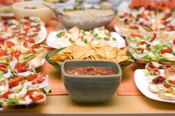 Busy girl's guide to holiday party menus