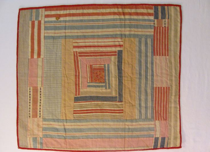 Log Cabin Doll Quilt circa 1900-1930 Made on a sewing machine.