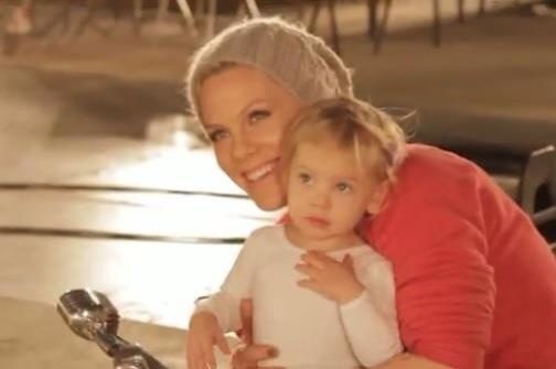 Willow Sage Hart and her mama <3 :)