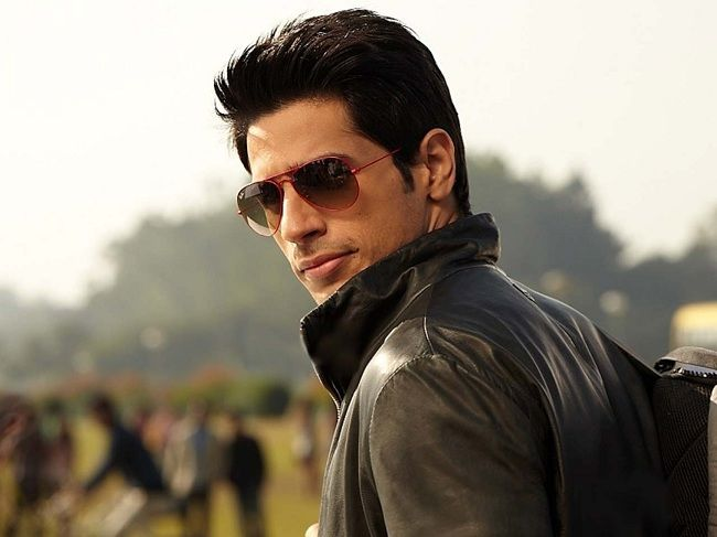 12 Reasons Why Sidharth Malhotra Is A Villain… For Stealing Our Hearts - http://www.scoopwhoop.com/inothernews/ek-villian-sid/