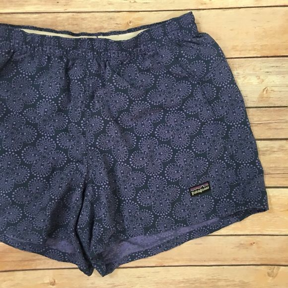 ραтαgσиια - Patterned Barely Baggie Shorts Prices are firm unless bundled No swaps, models, or reserves -- sorry! Patagonia Shorts