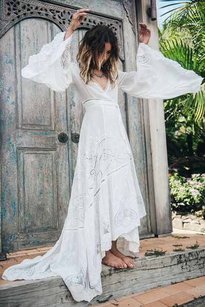 2018 Boho Wedding Dress Bohemian Lace Vintage Ivory Dresses With Bell Sleeves