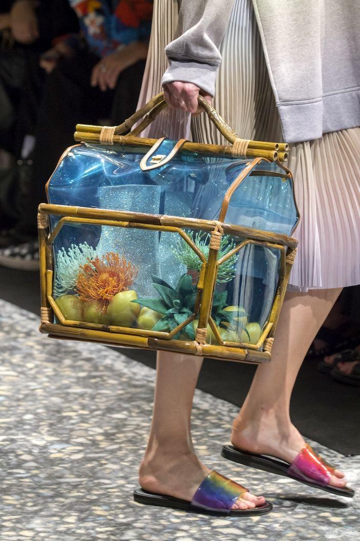 Modne Torebki Wiosna Lato 2019 Elle Pl Trendy Wiosna Lato 2019 Moda Modne Fryzury Buty Manicure Sukienki Torebki Fashion Week Spring Fashion Bags
