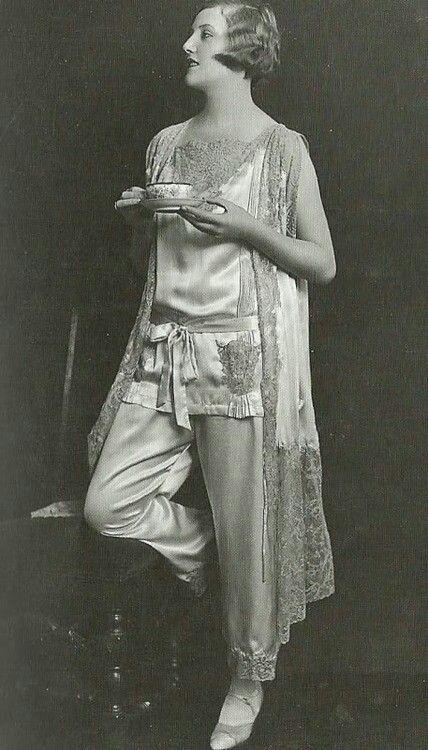 Pajamas, flapper style