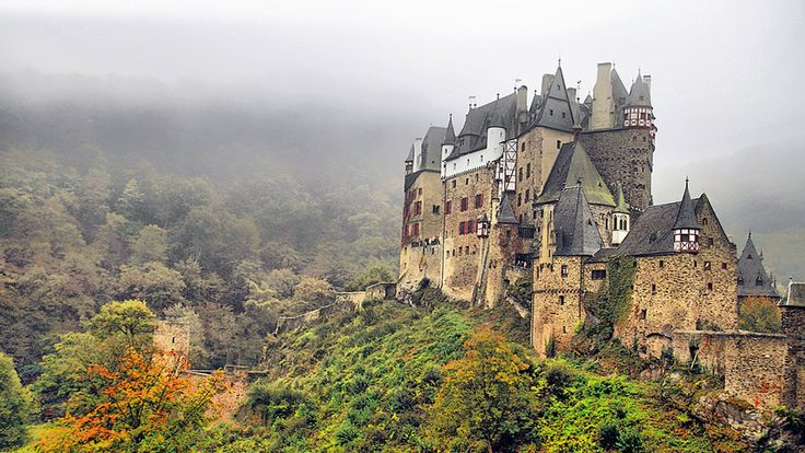 Eltz Castle Travel 2017