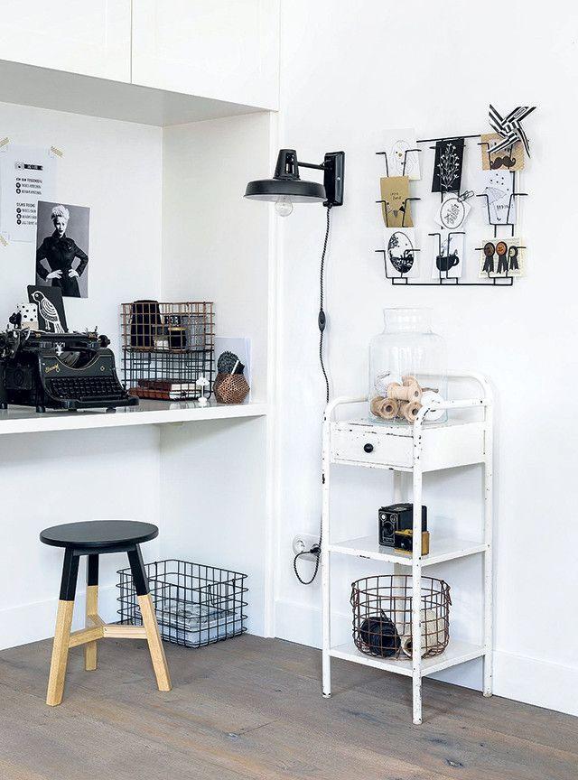 Gezien op 101woonideeen.nl: leuke werkplek in zwart en wit met accessoires en artikelen uit de 101 Woonideeen collectie!Styling Moniek Visser Fotografie Sjoerd Eickmans